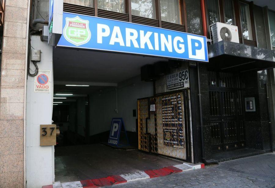 Fachada del Garaje Premier Ponzano