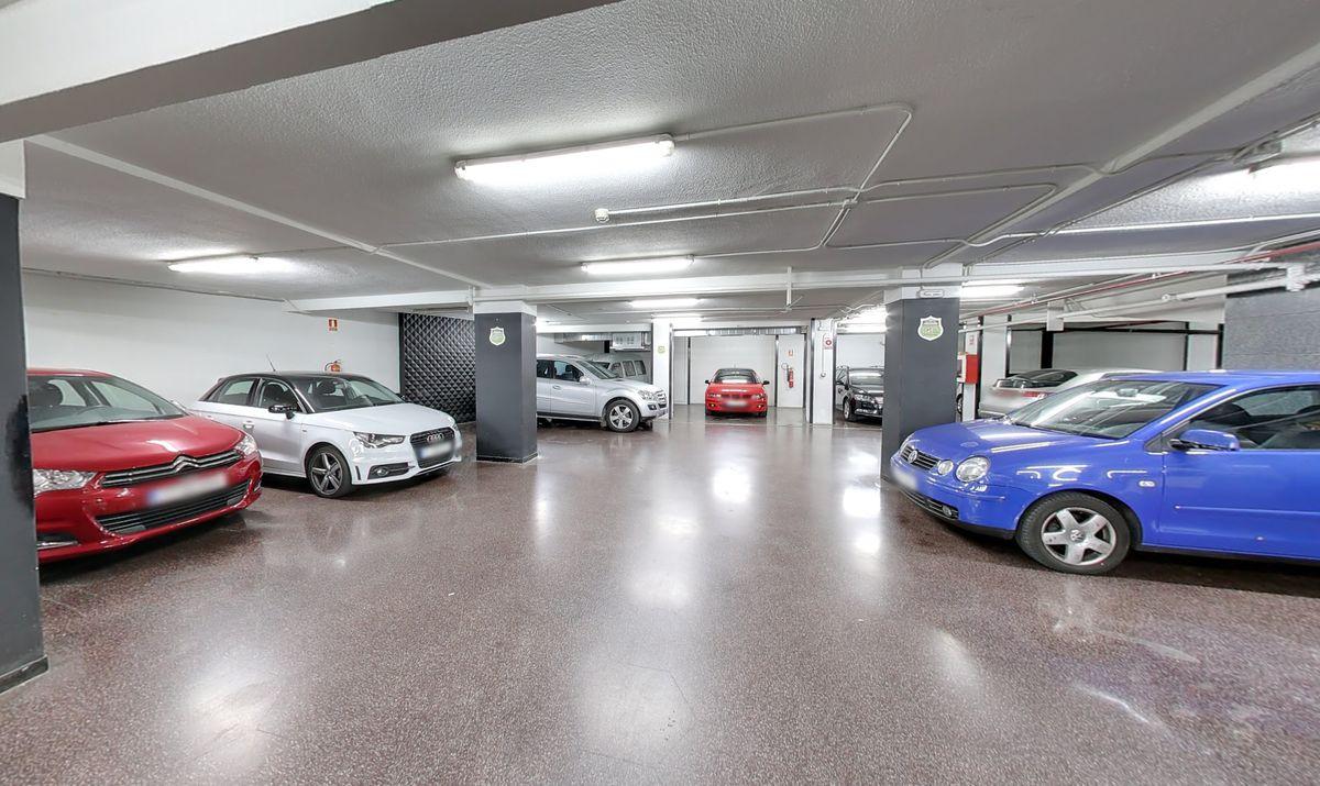 Interior del Garaje Premier Ponzano